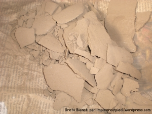 pezzetti argilla essiccata